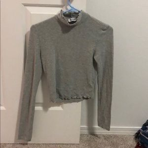 Urban outfitters size small mock neck lettuce